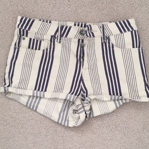 Striped Roxy shorts size 28